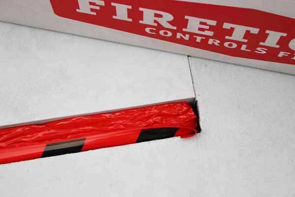 Image 12: Install end cap FIRETIGHT®